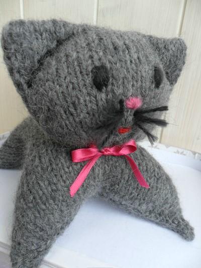 doudou a tricoter en laine