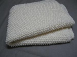 modele de couverture bebe au tricot