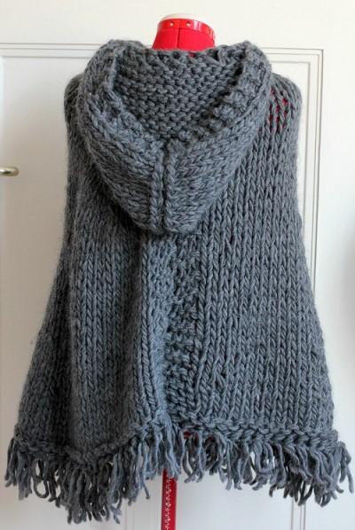 poncho tricote main